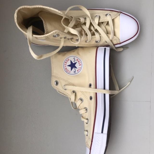 converse sneakers.jpeg