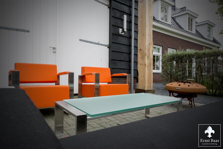 Stoelen -oranje PINGO - Ernst Baas Tuininrichtingszd.jpg
