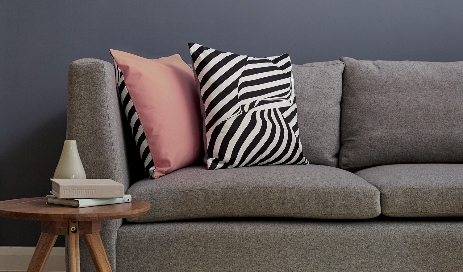 Between the lines cushions