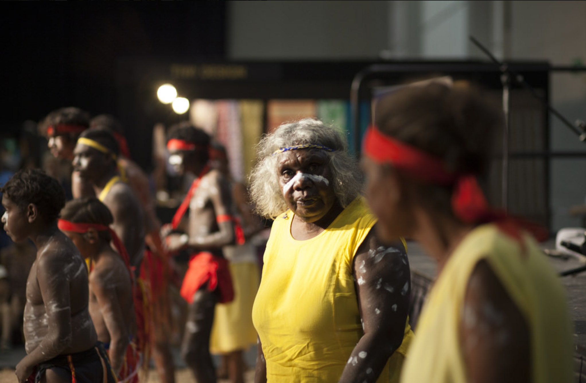 Many generations at the 10th Darwin Aboriginal Fair – photography  © Copyright 2017 Darwin Aboriginal Art Fair | 11-13 Aug 2017