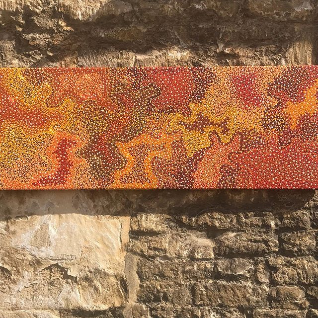 This wonderful painting by Chantelle Nampijinpa sold on arrival. We have two more in the gallery which will be on our website soon. Chantelle is rapidly emerging as a major desert art talent descending from a line of gifted artists. For more information please contact Alexandra @baygalleryhome #aboriginalart #aboriginalartuk #tetburygallery #cotswoldgallery #emergingartists #orangepainting #wallart #walldecor #centraldesertart #ukartgallery #dotpainting #painting #waterdreaming