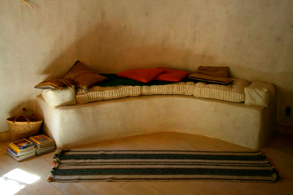 Sofa made of mud and covered in lime