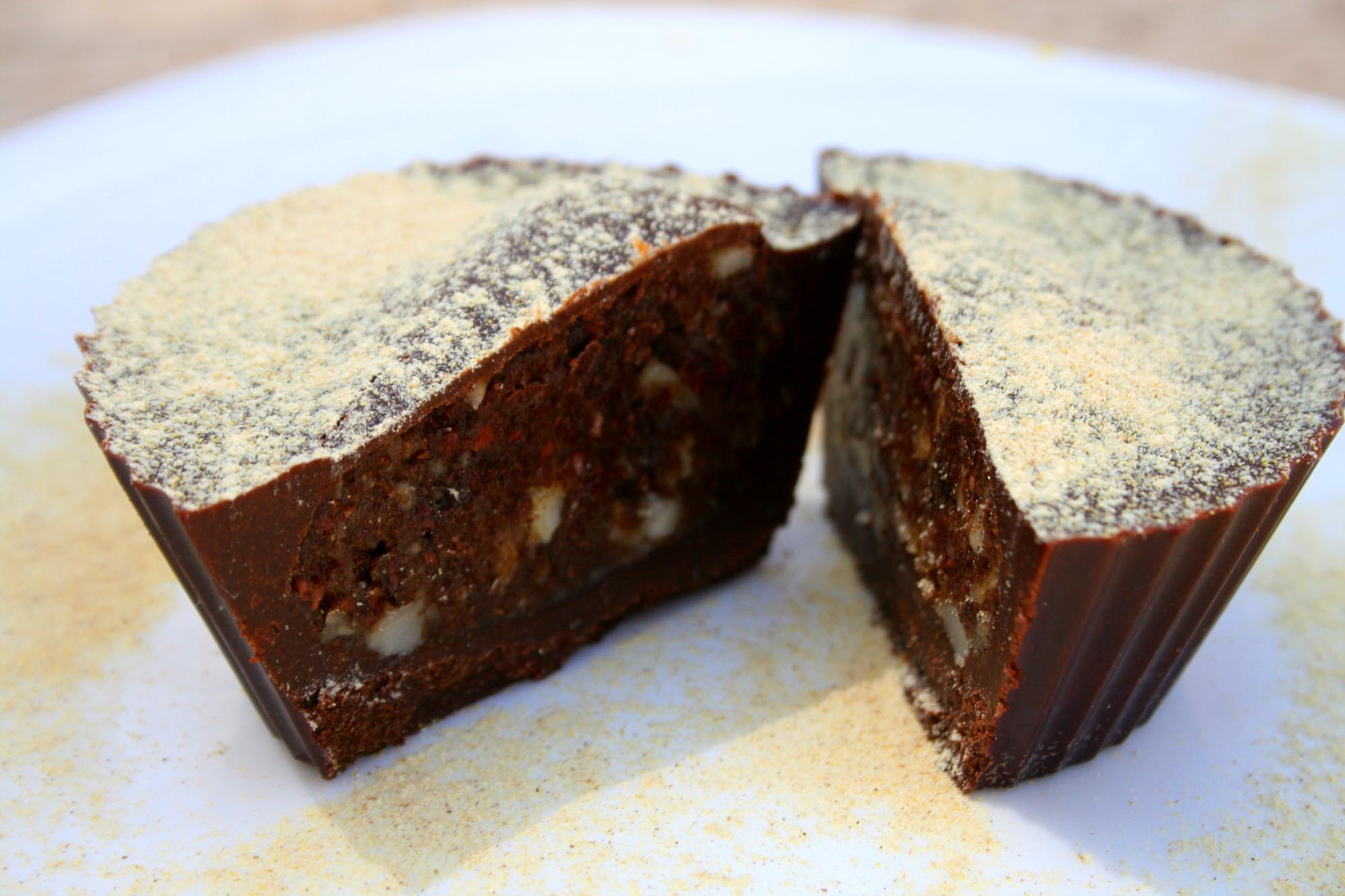 Sprouted nut and chocolate