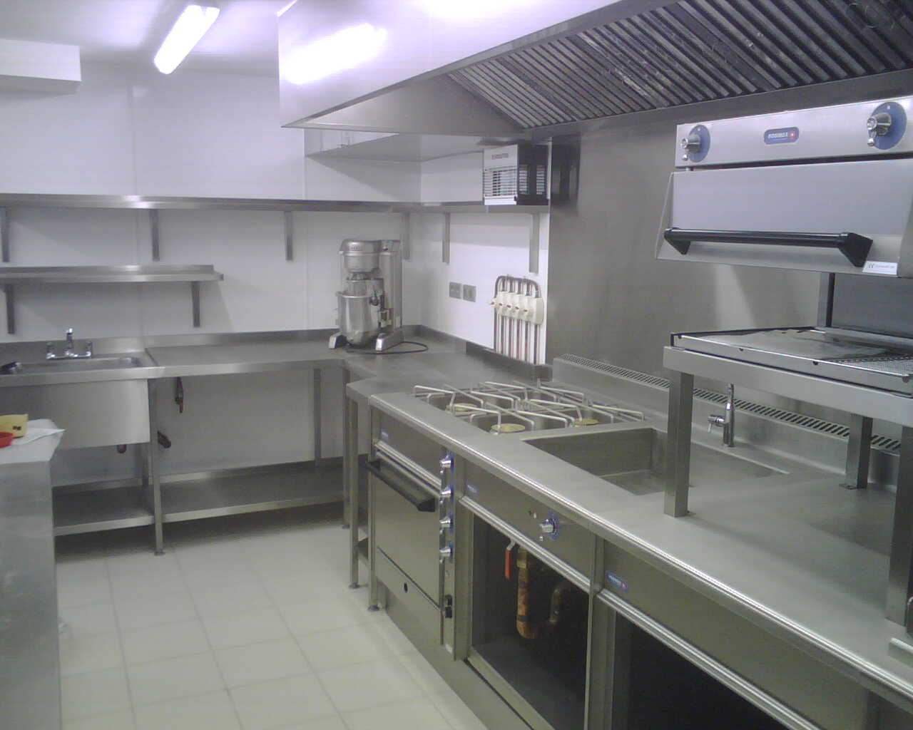 St Tropez Kitchen 2.jpg