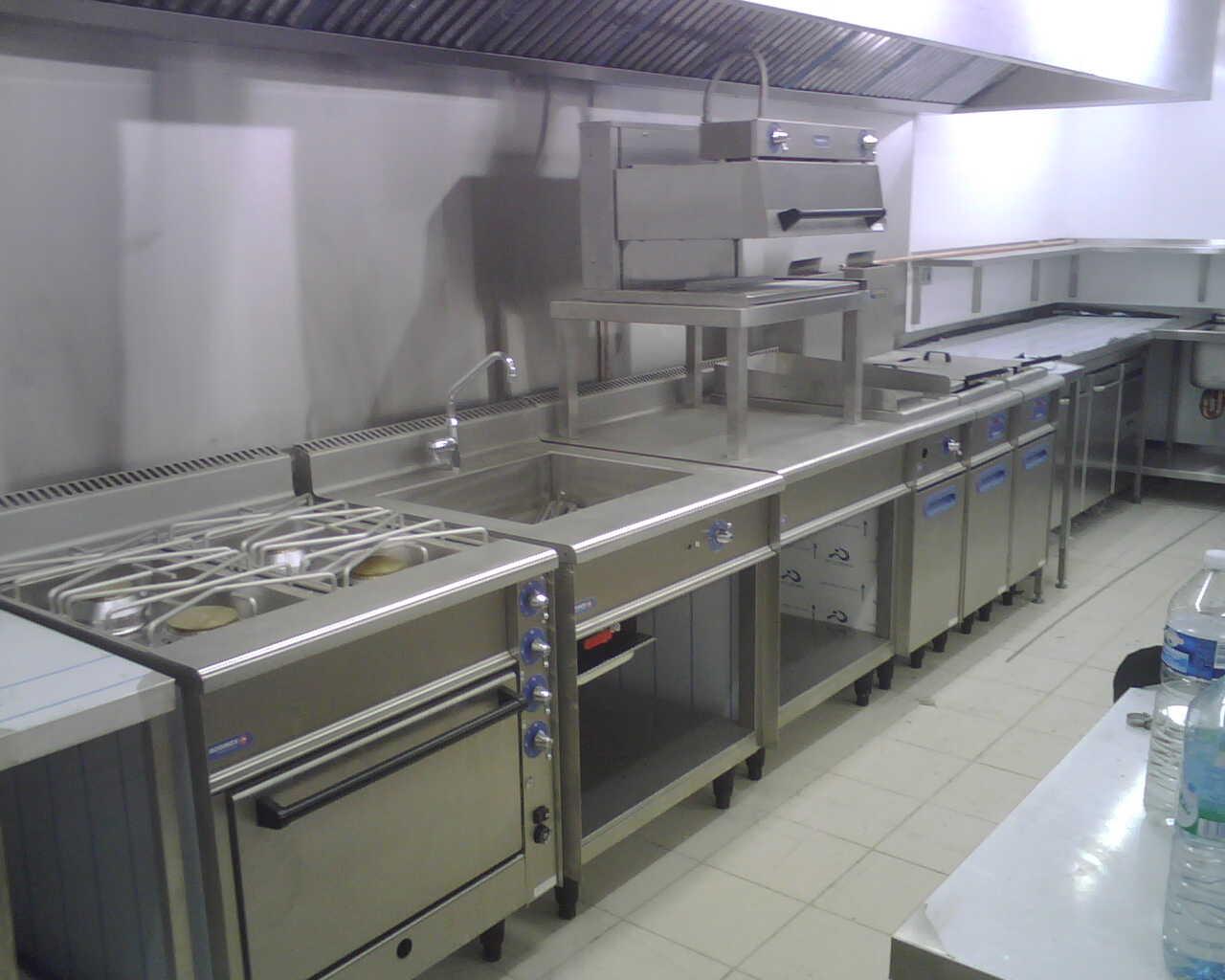 St Tropez Kitchen 3.jpg