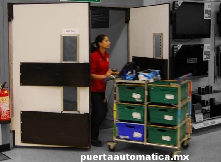 puertas de trafico vs puertas impacto puertaautomatica.mx