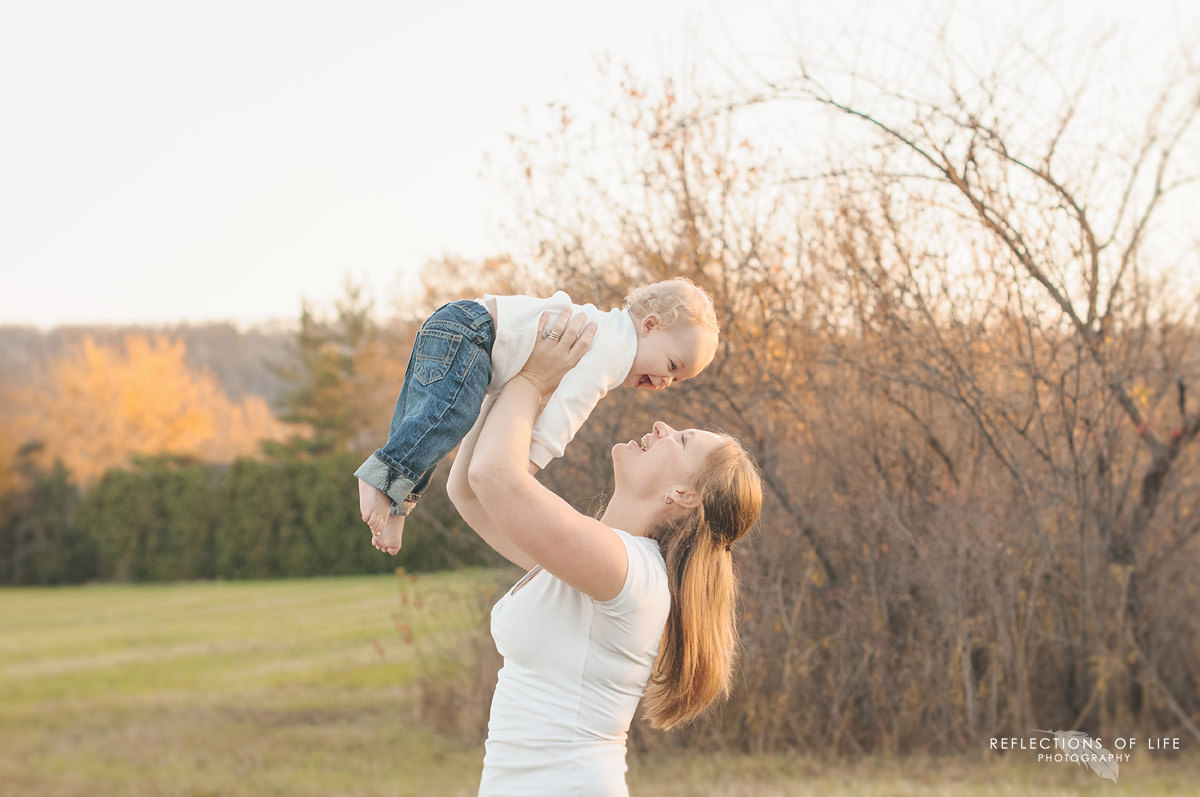 baby-and-mommy-photographer-grimsby-ontario.jpg