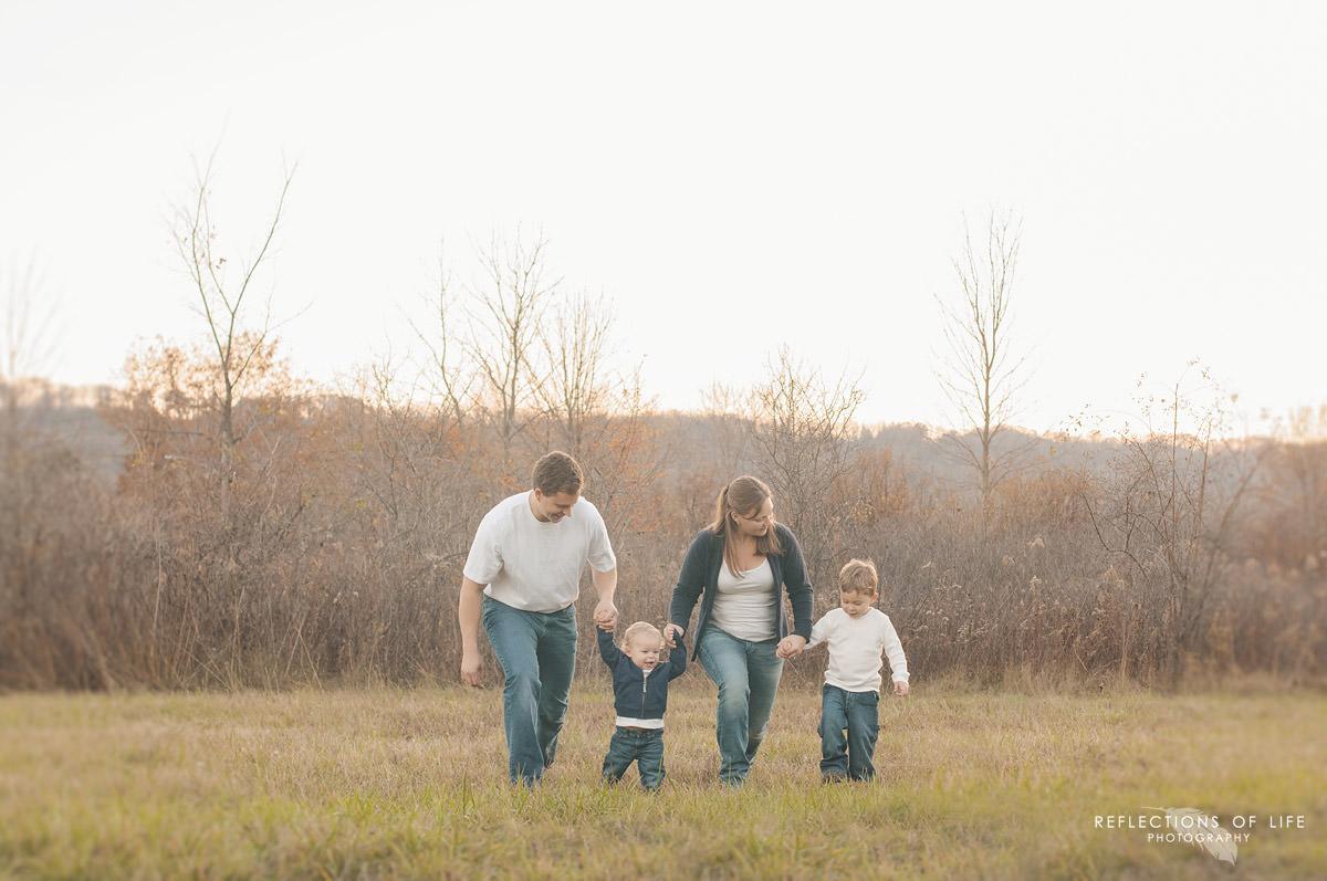 candid-family-photographer.jpg