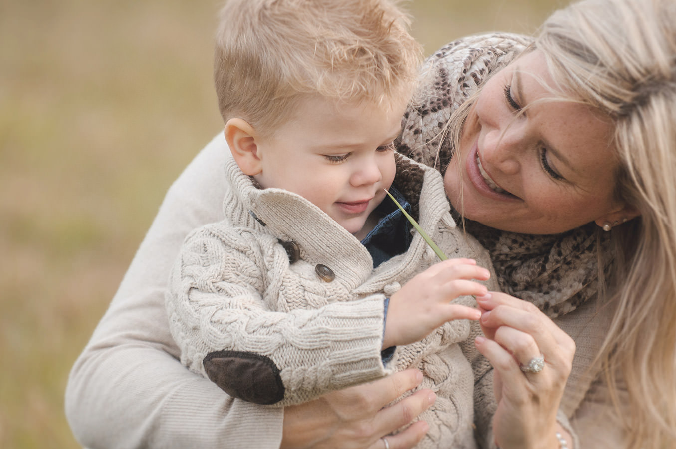 033-Niagara-Region-Family-Photographer-Grimsby-Ontario-Outdoor-Field-Portrait-Sessions.jpg