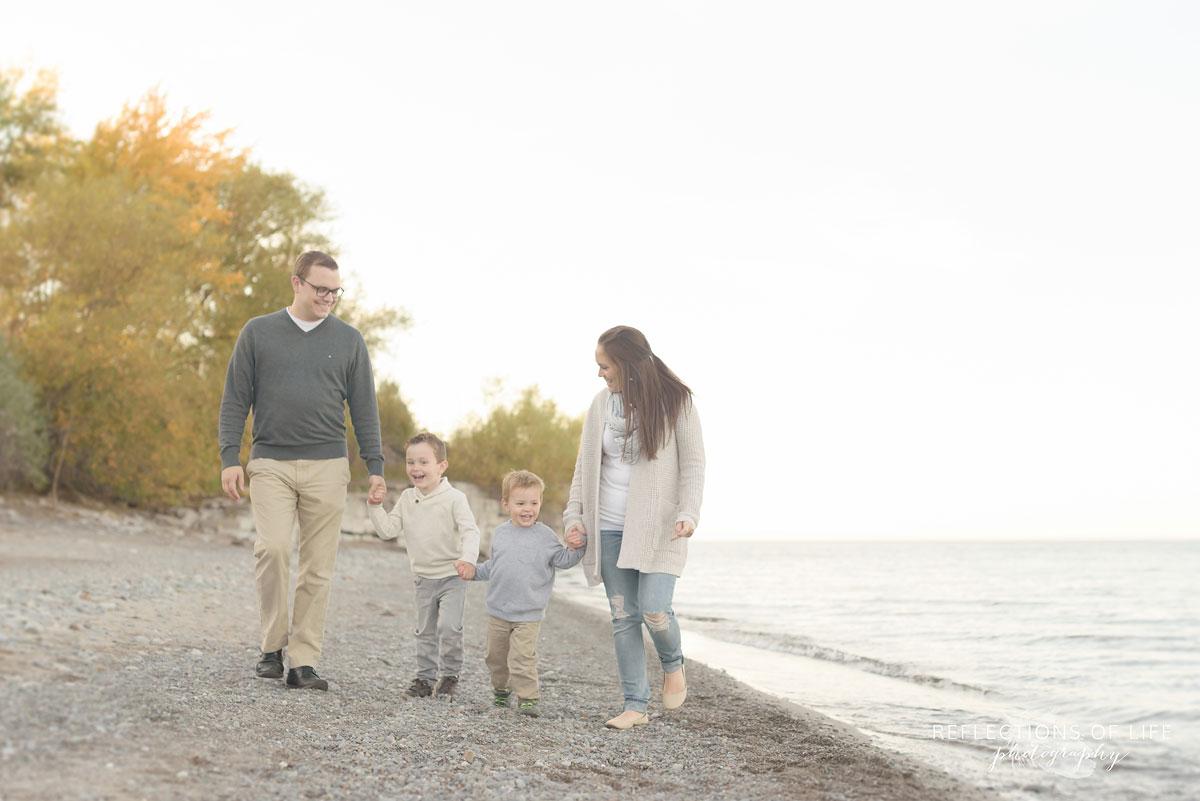 casual fun family photographs at sunset southern ontario