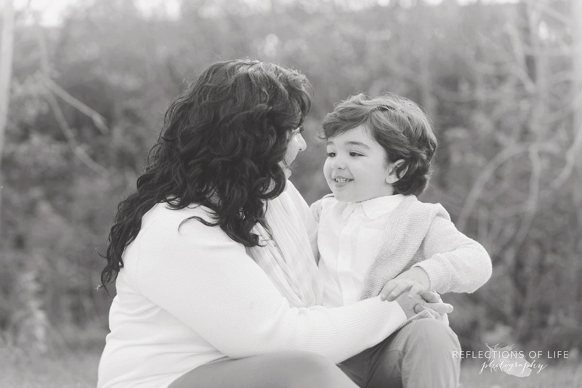 Pure connection between mother and son Niagara Ontario photographer