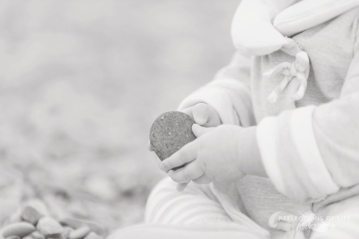 Relaxed, close up pictures of babies in Vineland, Ontario