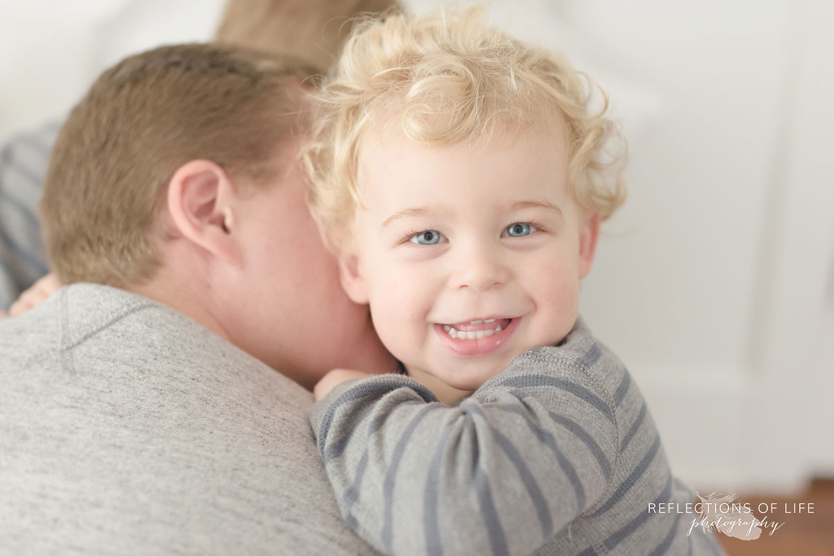 Cuddling children's photography in Hamilton Ontario Canada