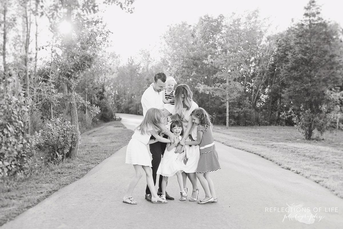 001 Niagara Family Photographer on a pathway