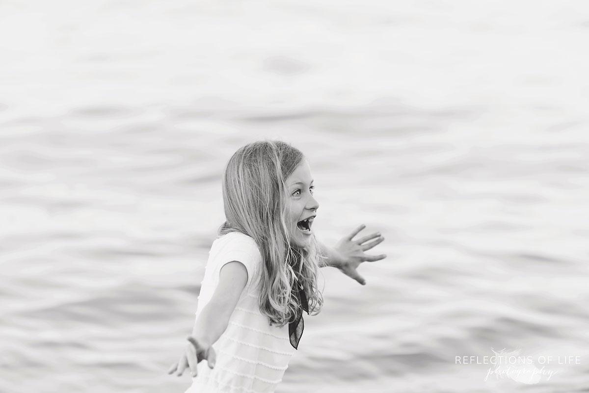 026 Fun photos with little girl at the beach in Lake Ontario