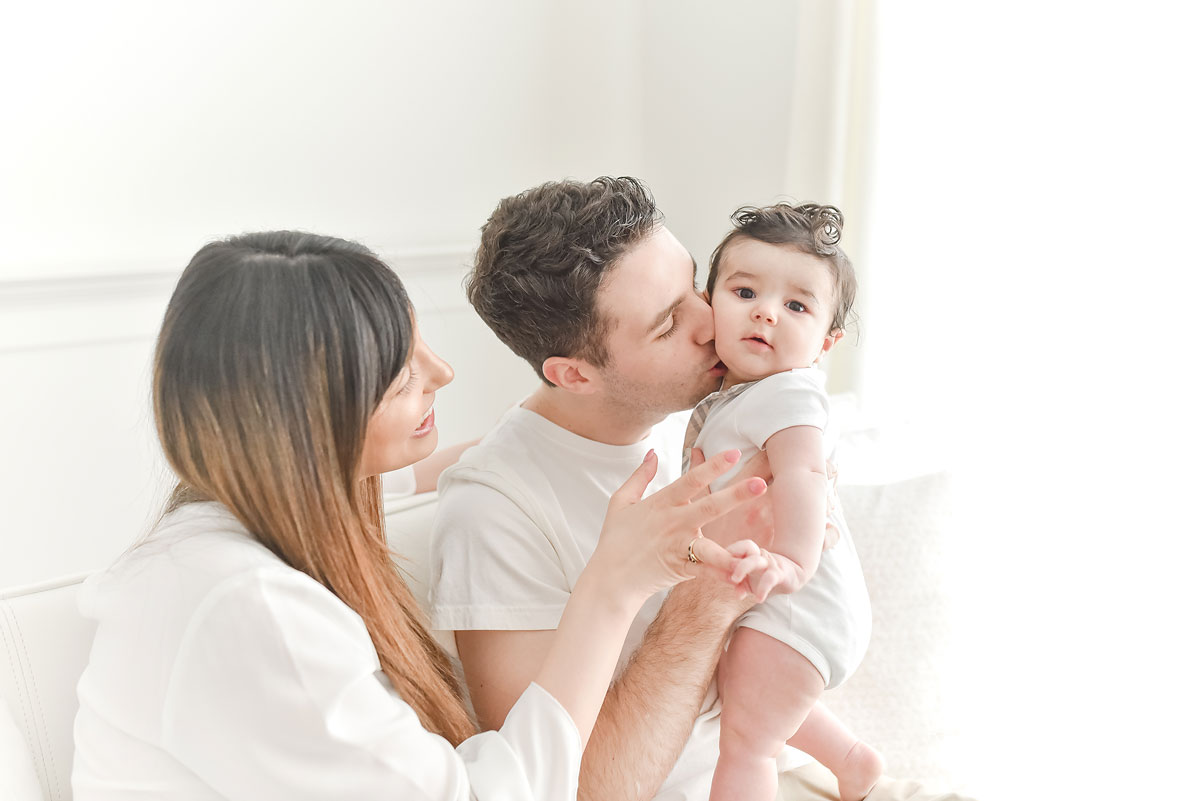niagara baby and family photos in professional natural light studio