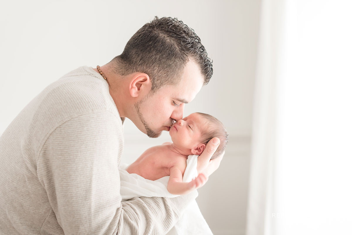 Newborn and family photography in Niagara Region of Ontario Canada