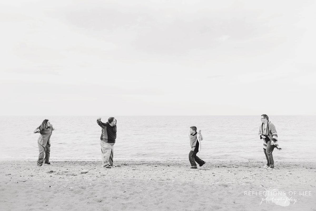 outdoor family photos by the beach