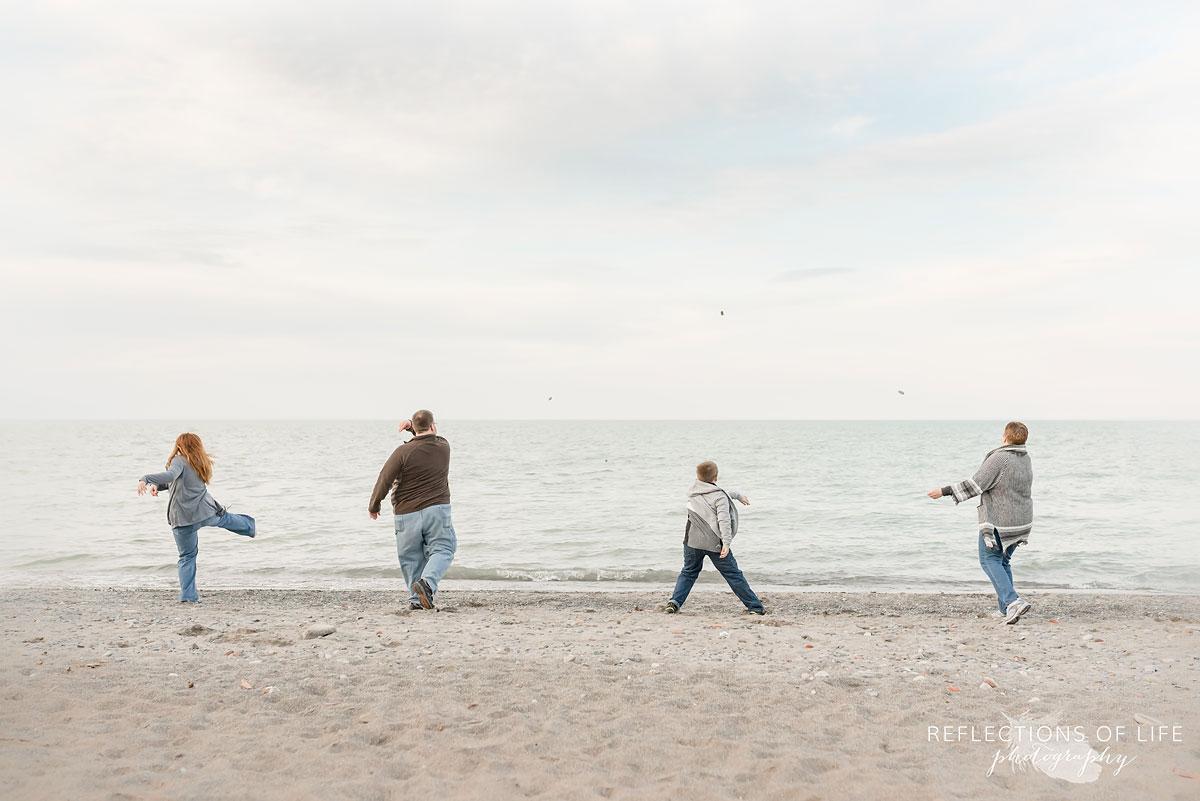 outdoor family beach photos candid