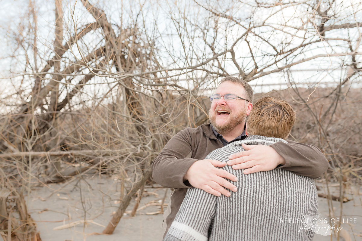 Natural laughter with couples in Niagara Ontario