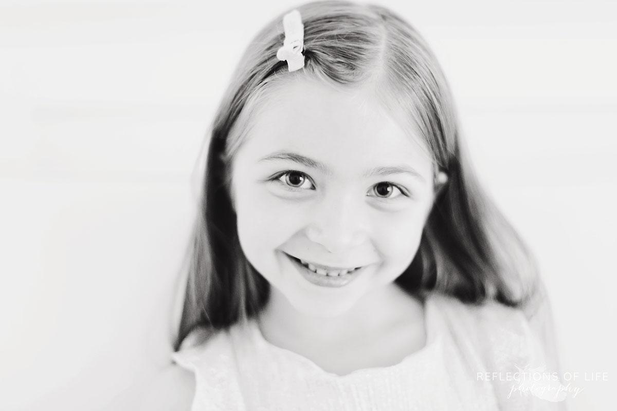 niagara photographer portrait of girl smiling