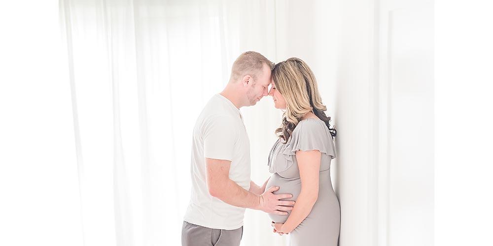 006 Niagara maternity photography album.jpg