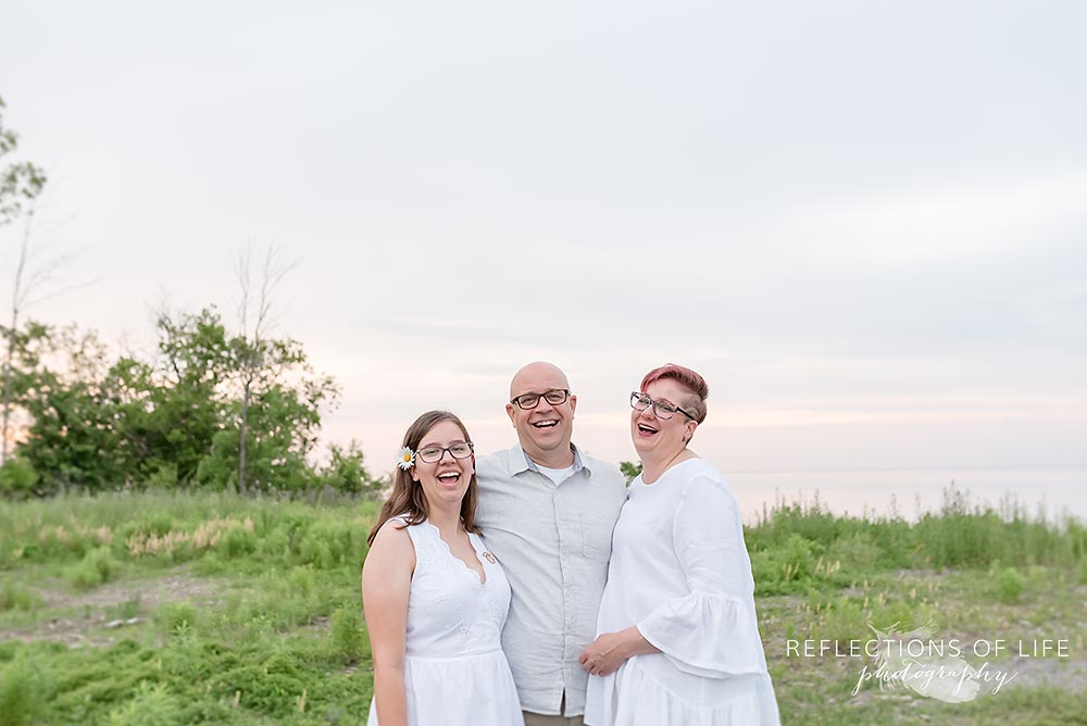 Famliy laughing together Professional Family Photos Niagara