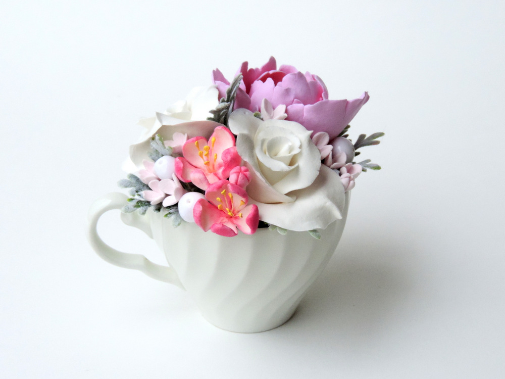 Teacup arrangement_04b_pink_Leigh Ann Gagnon.JPG