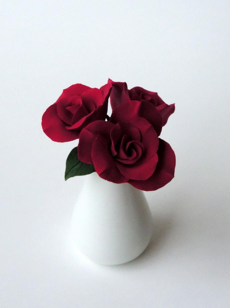 Rose Vase_burgundy 01_Leigh Ann Gagnon.JPG