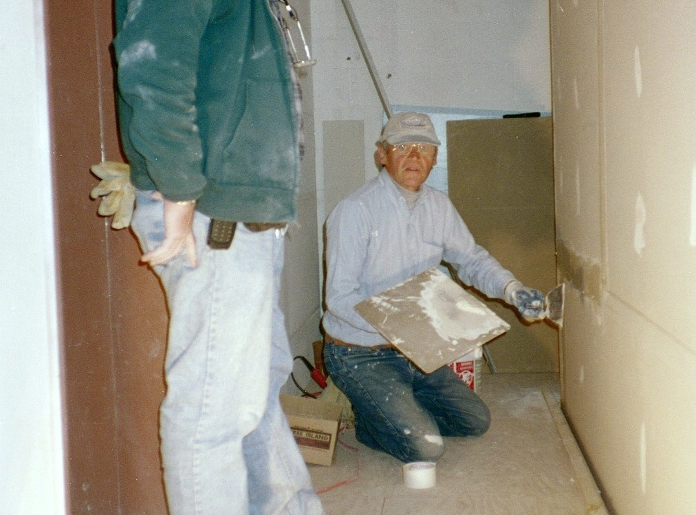Mark Hallstead & Phil @ KHEN-Dec 2002.jpg