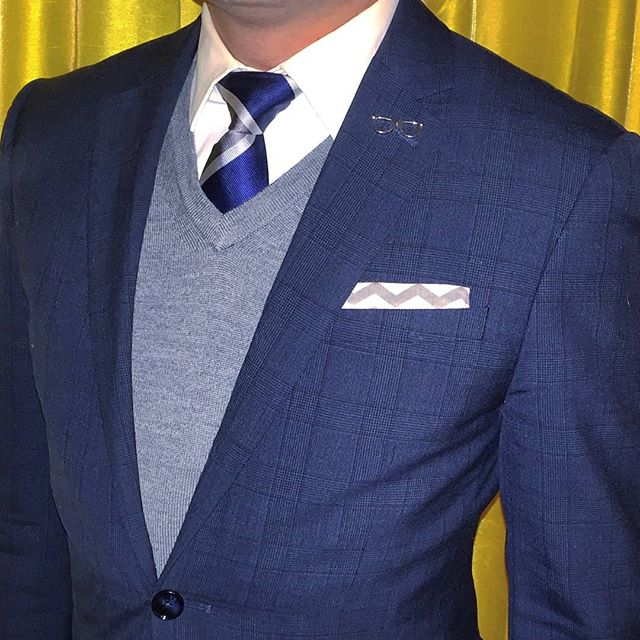 """When I dare to be powerful -- to use my strength in the service of my vision, then it becomes less and less important whether I am afraid."" - Audre Lorde ---------------------------◇---------------------------- Striped necktie, pocket square, and eyeglasses lapel pin: @sprezzanyc + @sprezzabox ---------------------------◇---------------------------- #SprezzaBox #SprezzaNYC #GetDapper #ootdmen #guyswithstyle #menwithstyle #suitup #suitandtie #preppy #gq #gqstyle #gqstylehunt #fashionblogger #styleblogger #styletips #fashionformen #styleformen #mensclothing #fashionpost #currentlywearing #lookoftheday #instafashion #instastyle #dresstoimpress #fashionguru #fashiongram #fashionstyle #thehybridgent"