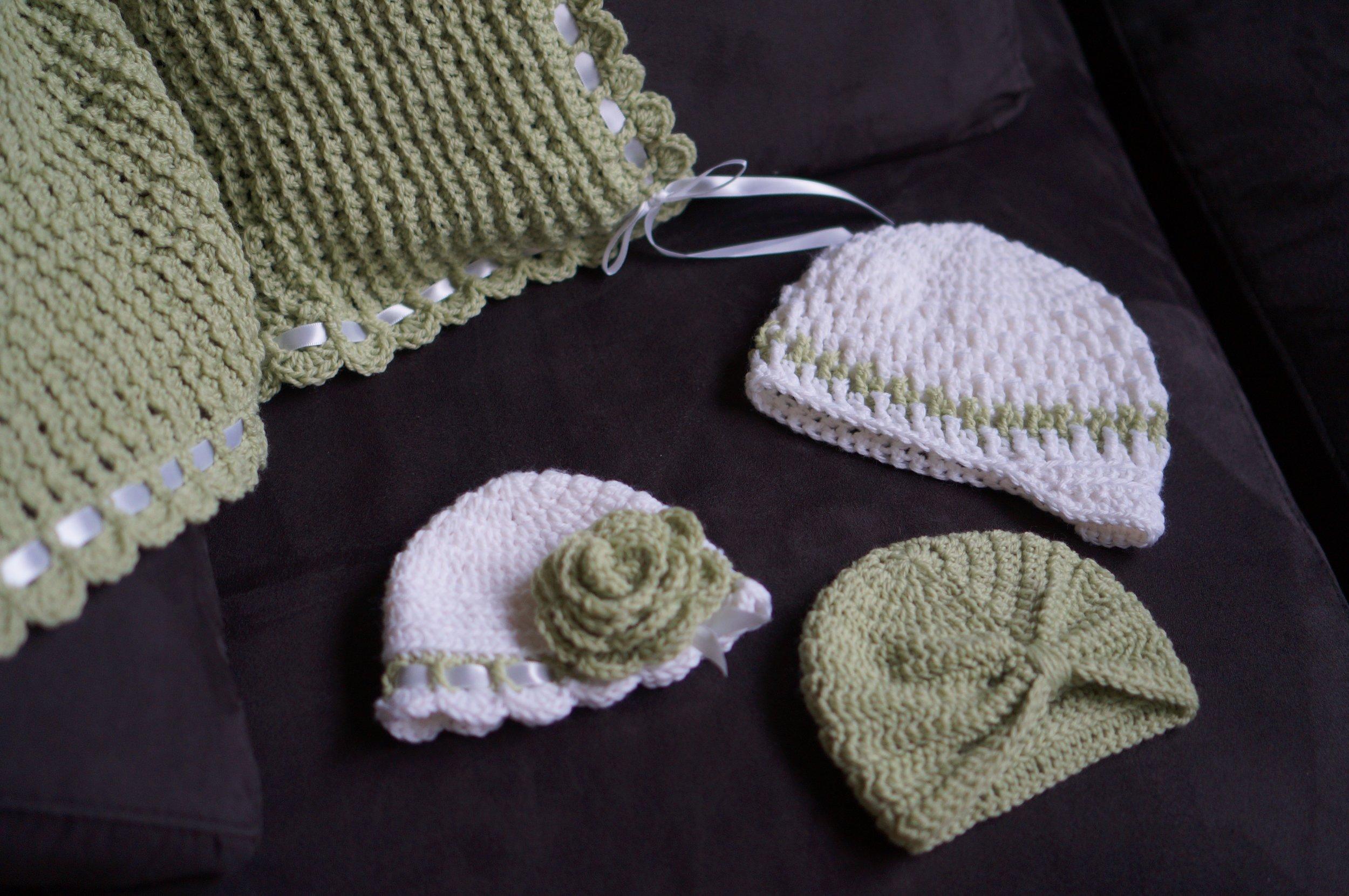 Tiramisu Baby Blanket with coordinating hats.