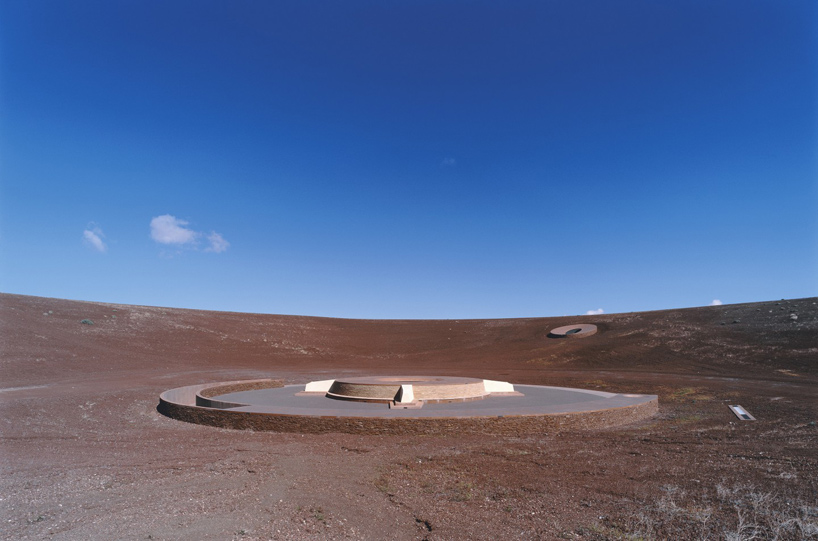 james-turrell-roden-crater-arizona-designboom-05.jpg