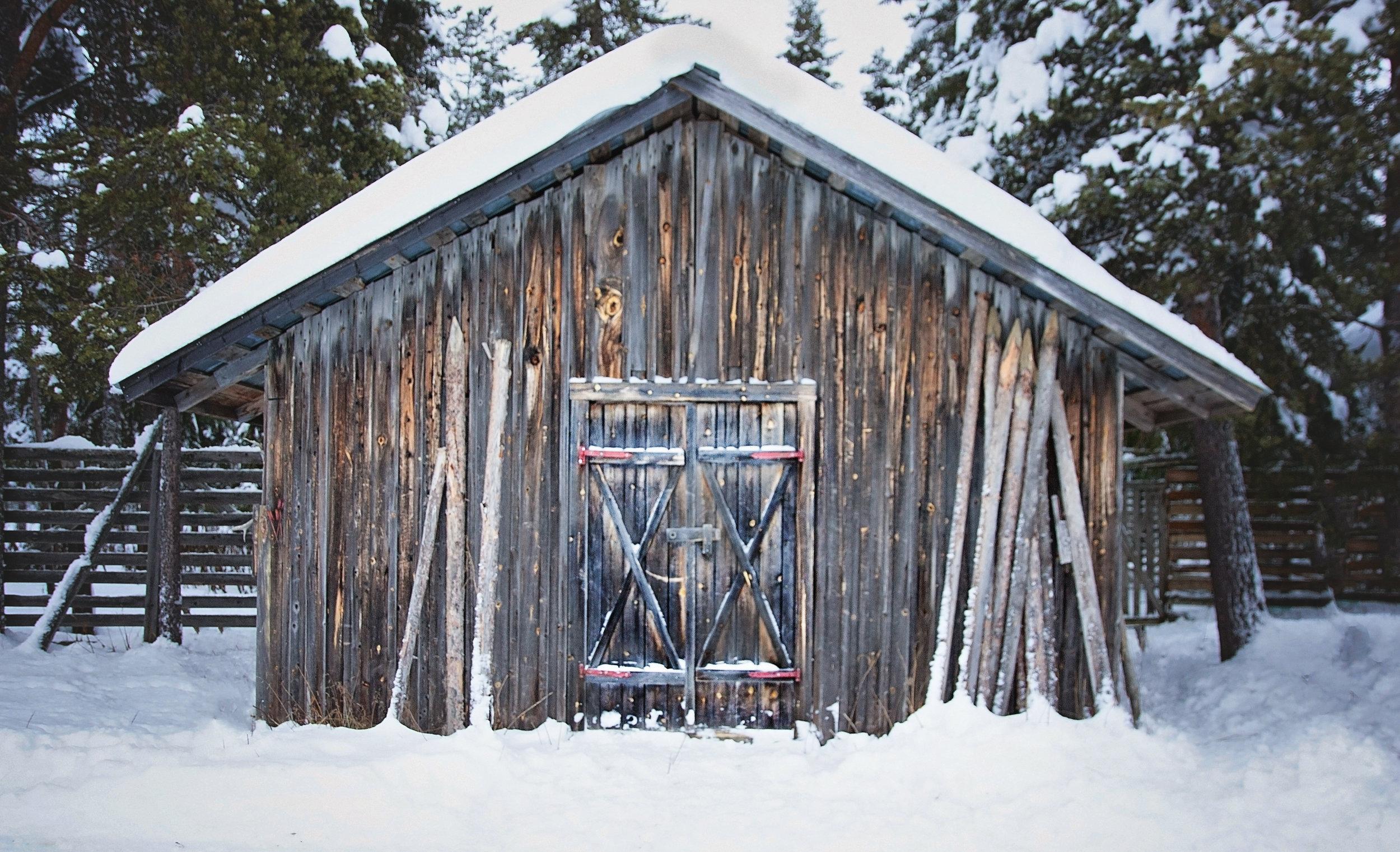 Reindeer Cabin 0508-2.jpg
