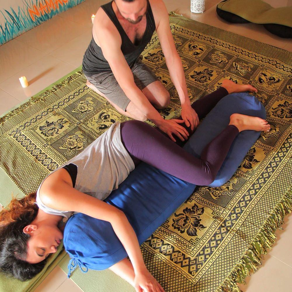 Flying Tree Yoga Medellín terapia de masaje y reiki 6