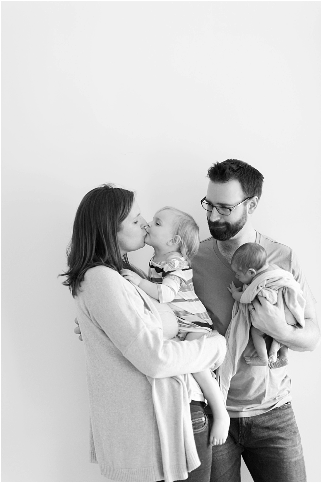 Olivia Leigh Photography | Oregon Lifestyle Family Photographer | Oregon Family Photography | Medford Oregon Newborn Photographer