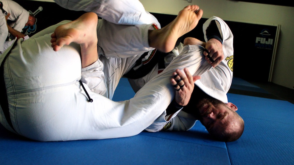http://www.flograppling.com/article/52744-training-camp-season-a-guide-for-jiu-jitsu-travelers-visitors#.WLhksBAv7Vo