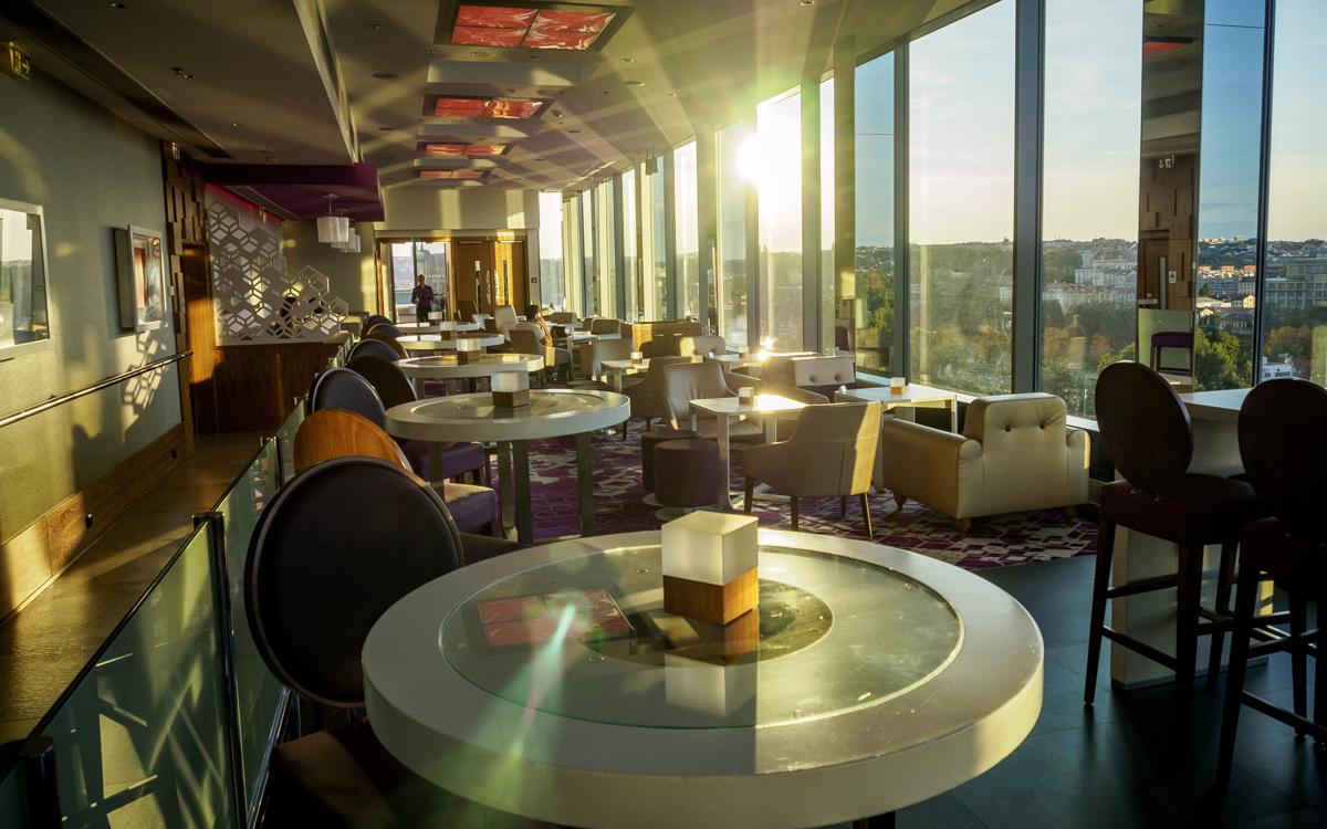 Bar Cloud9 på taket av hotellet