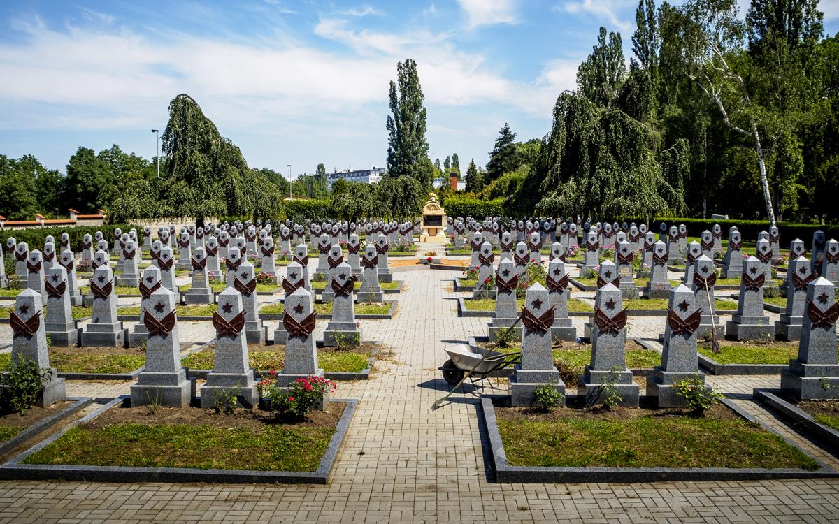 Prag krigskyrkogård