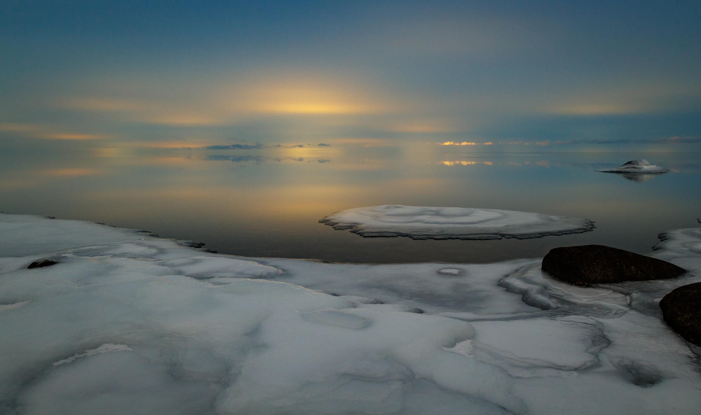 2 minuter exponering och himmel som lyser upp av ljuset från Vadstena