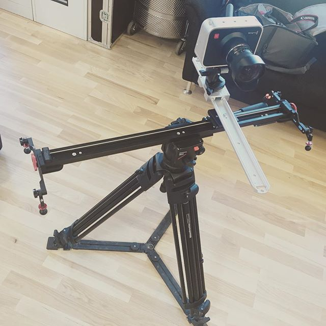 """3D"" camera slider Just to try it out, works actualy pretty good #Blackmagic #cinematography #nuuk #greenland #madeinnuukproduction"