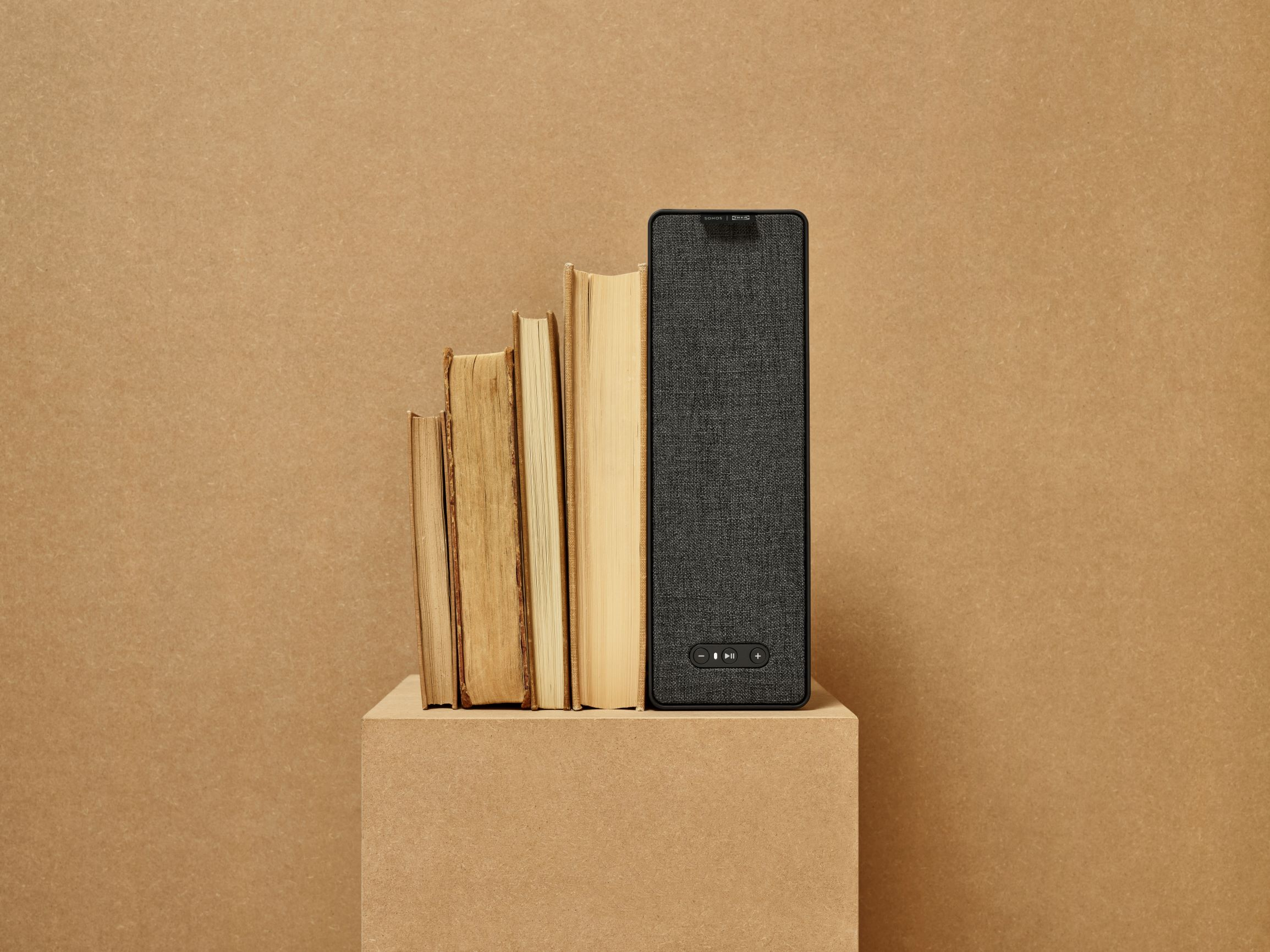 The SYMFONISK bookshelf speaker (Black),   £99
