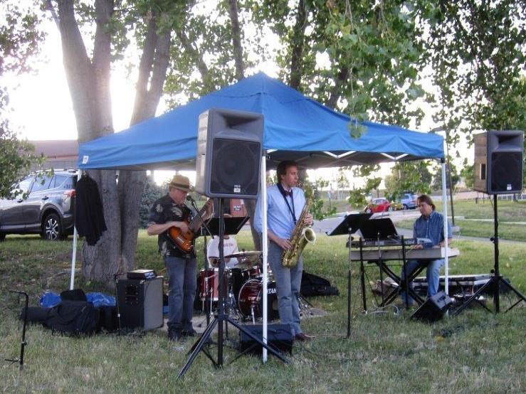 Live musicians