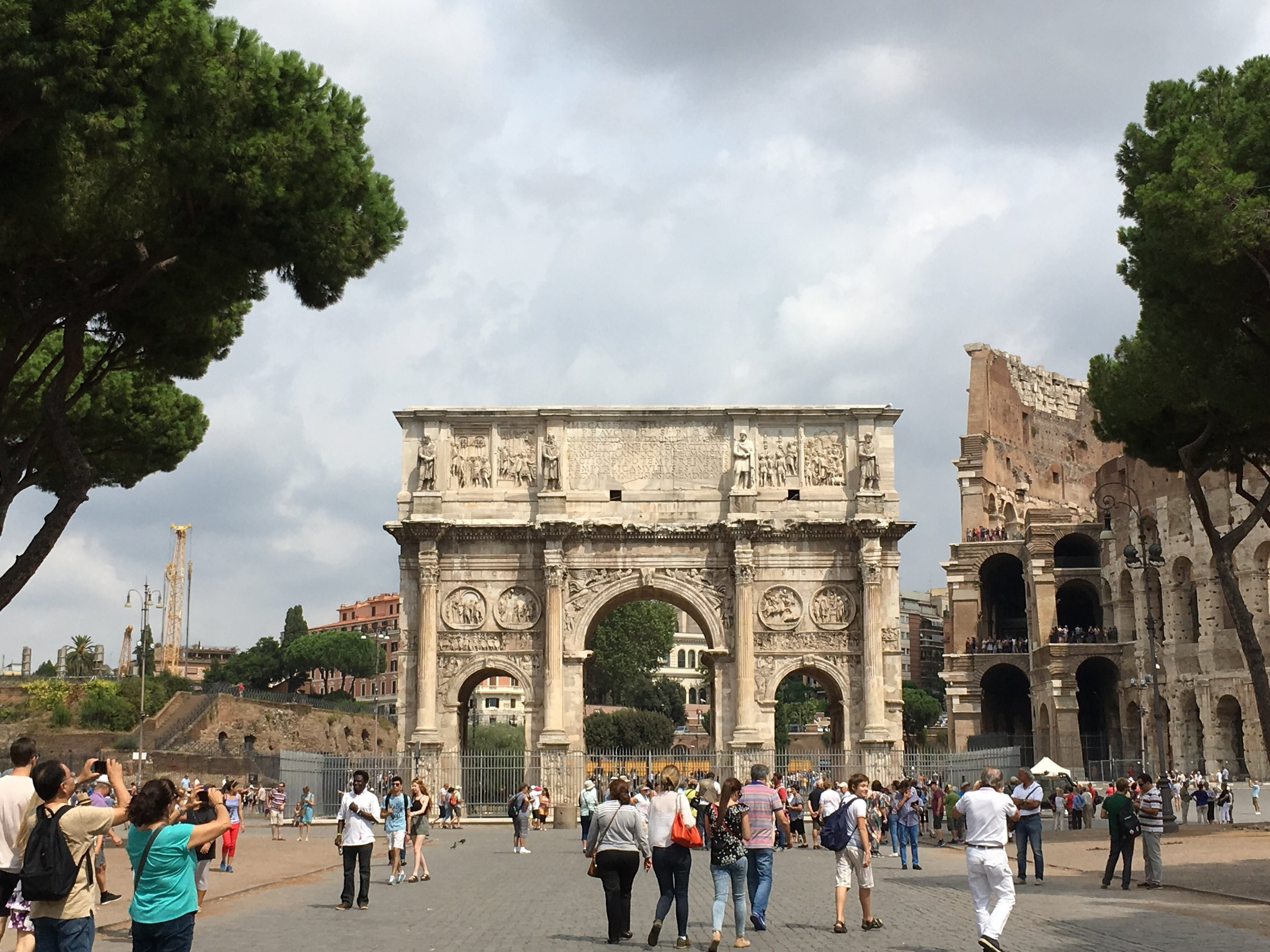 Arch of Constantine, Colosseum off to the right