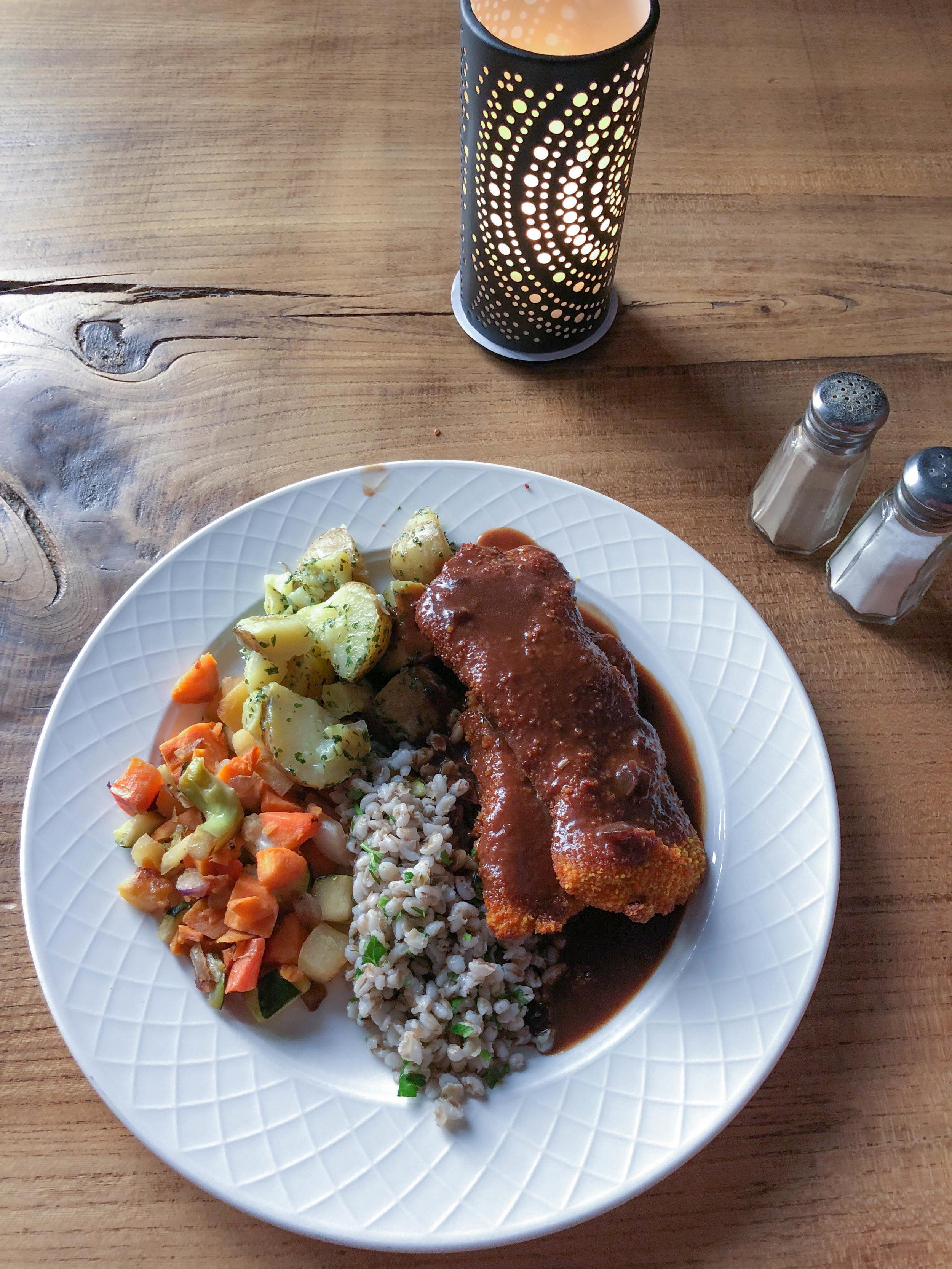 Schnitzel and veggies