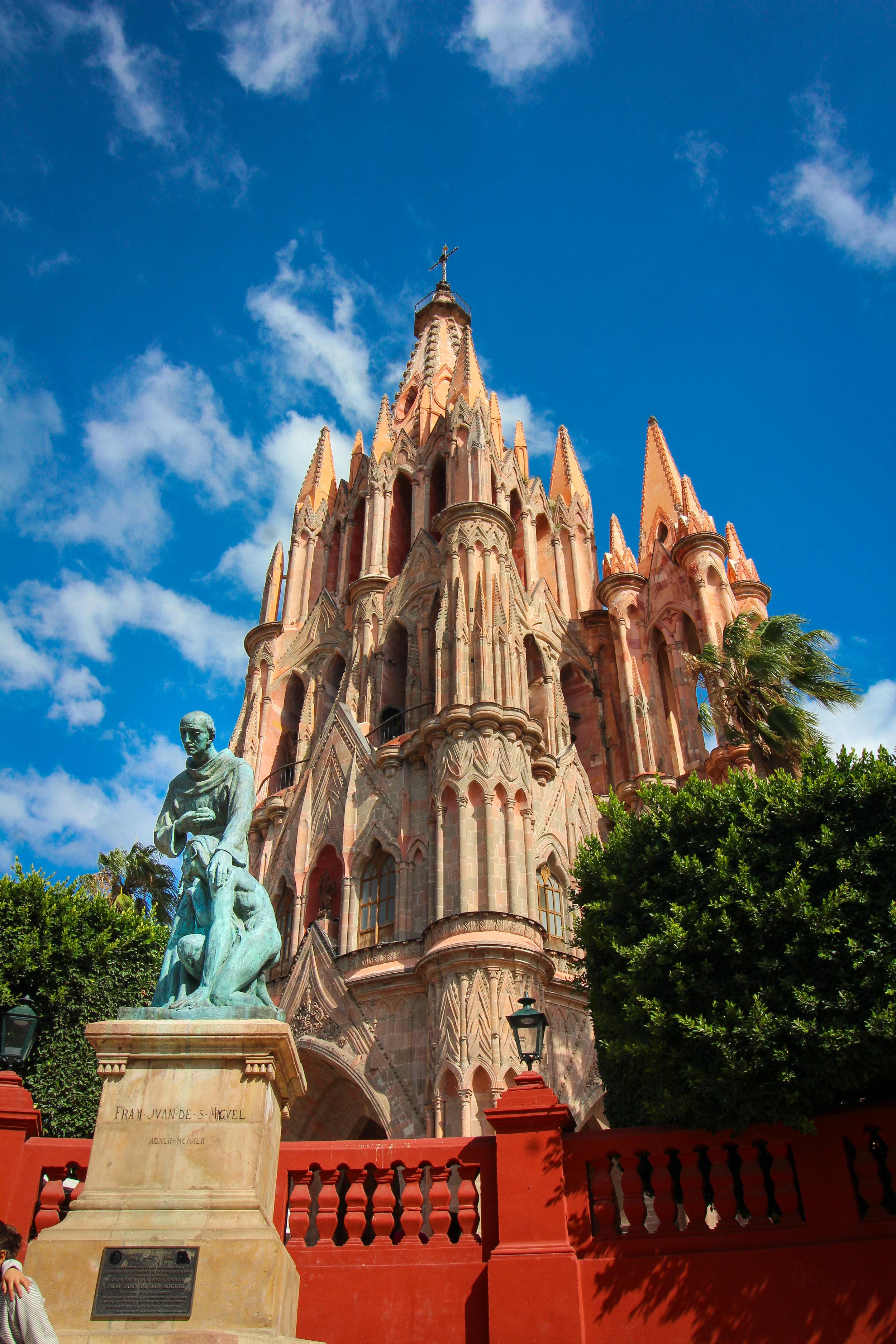 Statue and Church of San Miguel de Allende.
