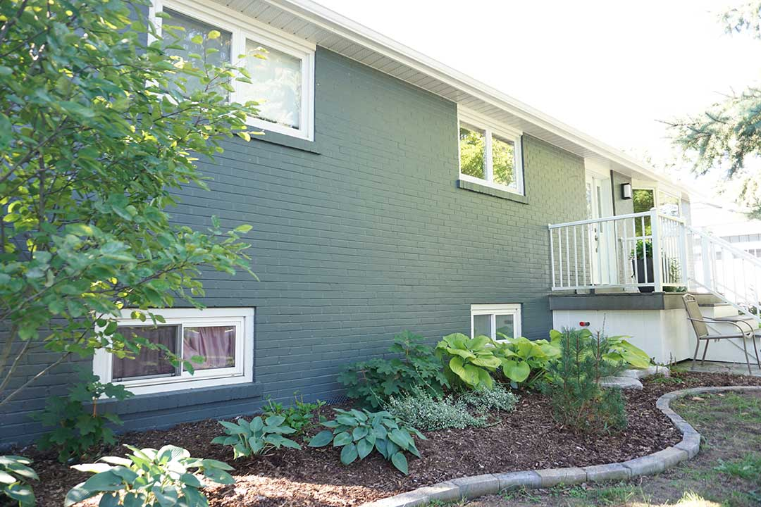 East Gwillimbury - Exterior brick painting