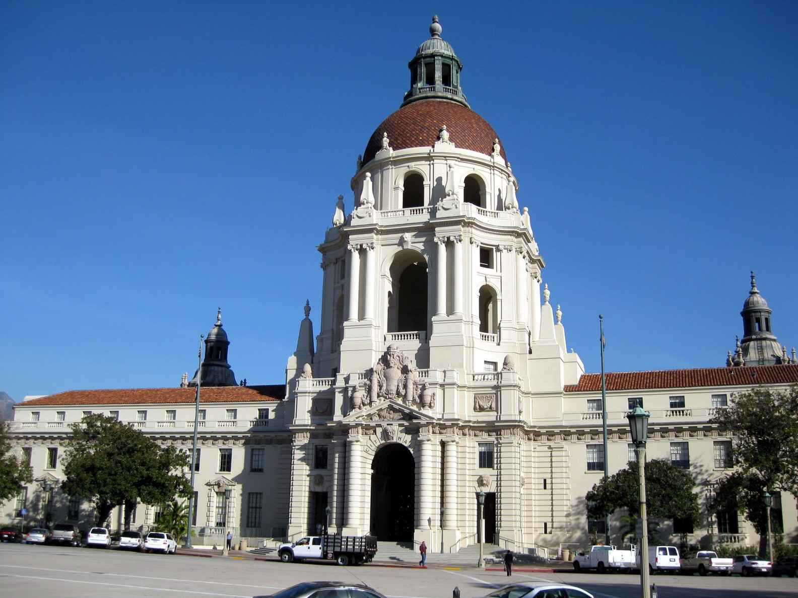 PASADENA-CITY-HALL.JPG
