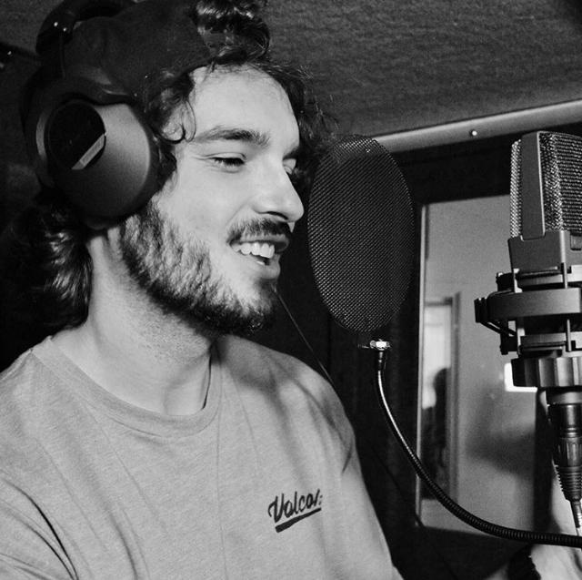 DatDudeDenzel   vocals