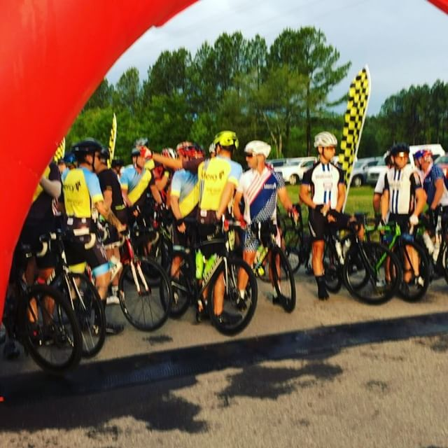 True Grit Ride is about to be underway! Great turn out, even with rain!! #rideyourbike #truegritride100 #roadbike